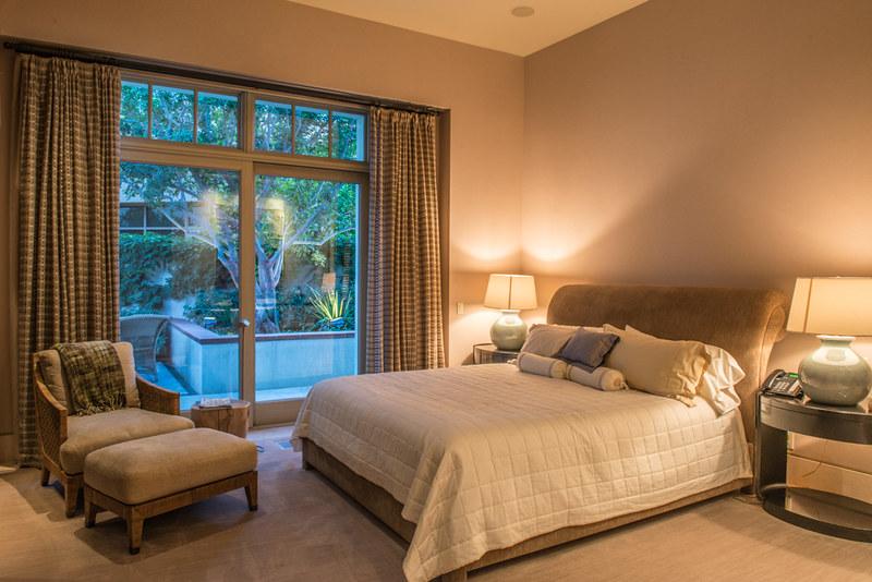 บริษัทรับออกแบบห้องนอนแนะการใช้ไฟในการตกแต่งห้องนอน